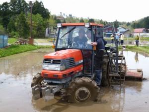 Farming experiences (fertilization, rice field preparation)