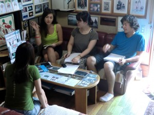 Conversation with local Filipinas at Mr. and Mrs. Watanabe's residence