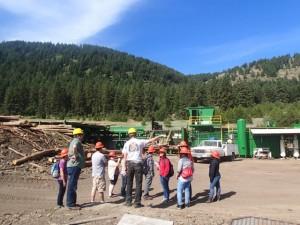 間伐材を活用したコミュニティビジネスを視察