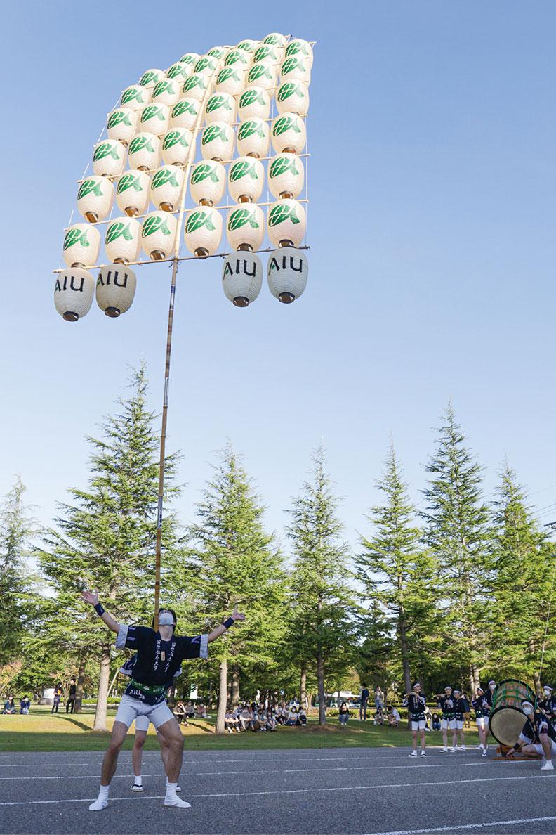 AIU竿燈会の写真