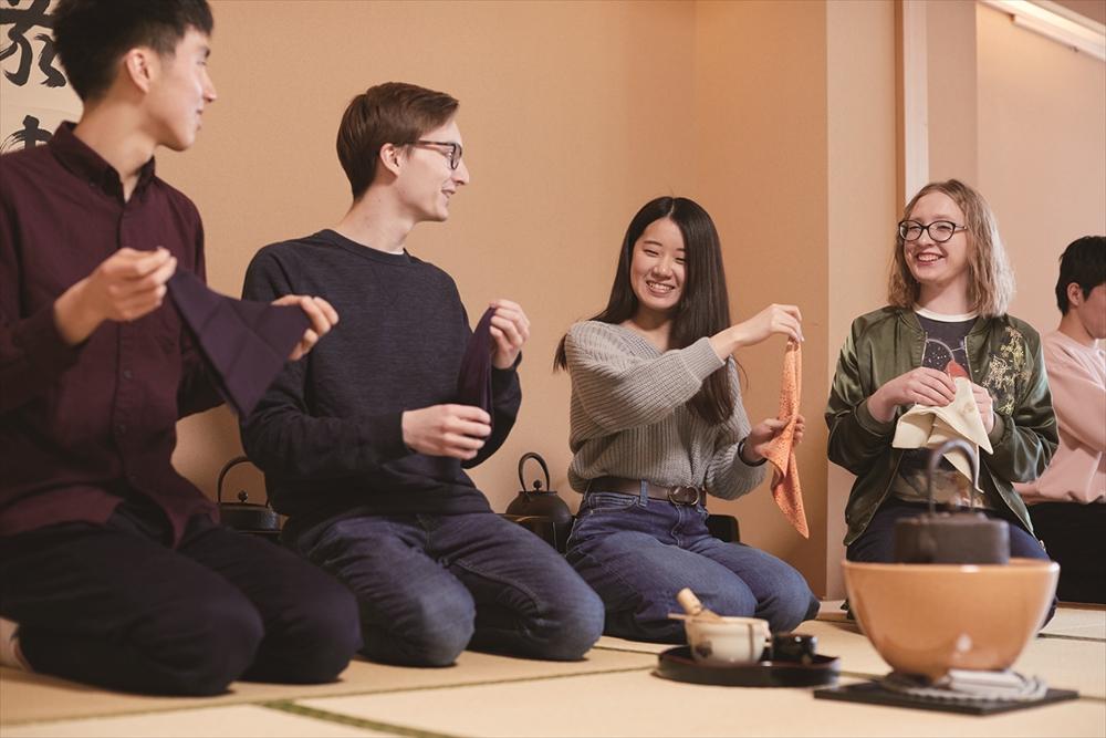 華道の授業の写真