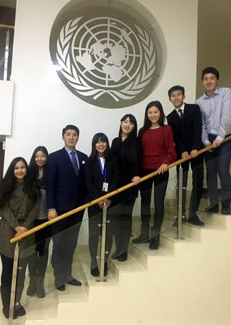 ディスカッションに参加してくださったモンゴル国立大学の学生の皆さんと