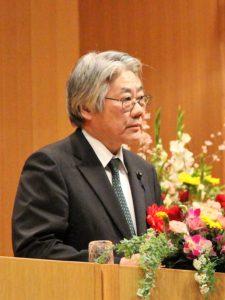 来賓の竹下 秋田県副議長の祝辞の様子