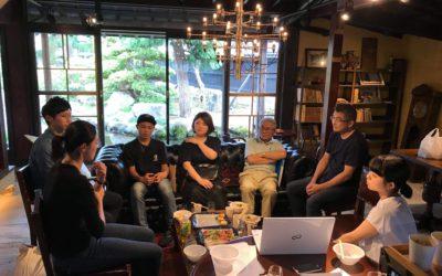 石川主催の岩崎世代間交流第一回目で、地域住民の皆さんと地域の現状や未来について議論する様子