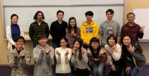 カセサート大学の学生と本学の学生、教職員との集合写真