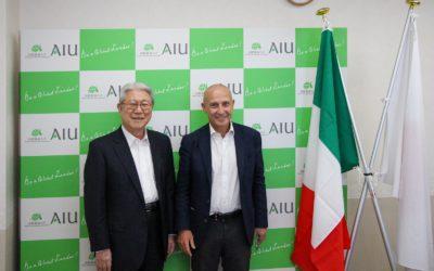 大使と学長の記念写真