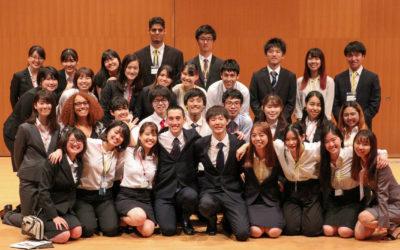 学生たちの集合写真