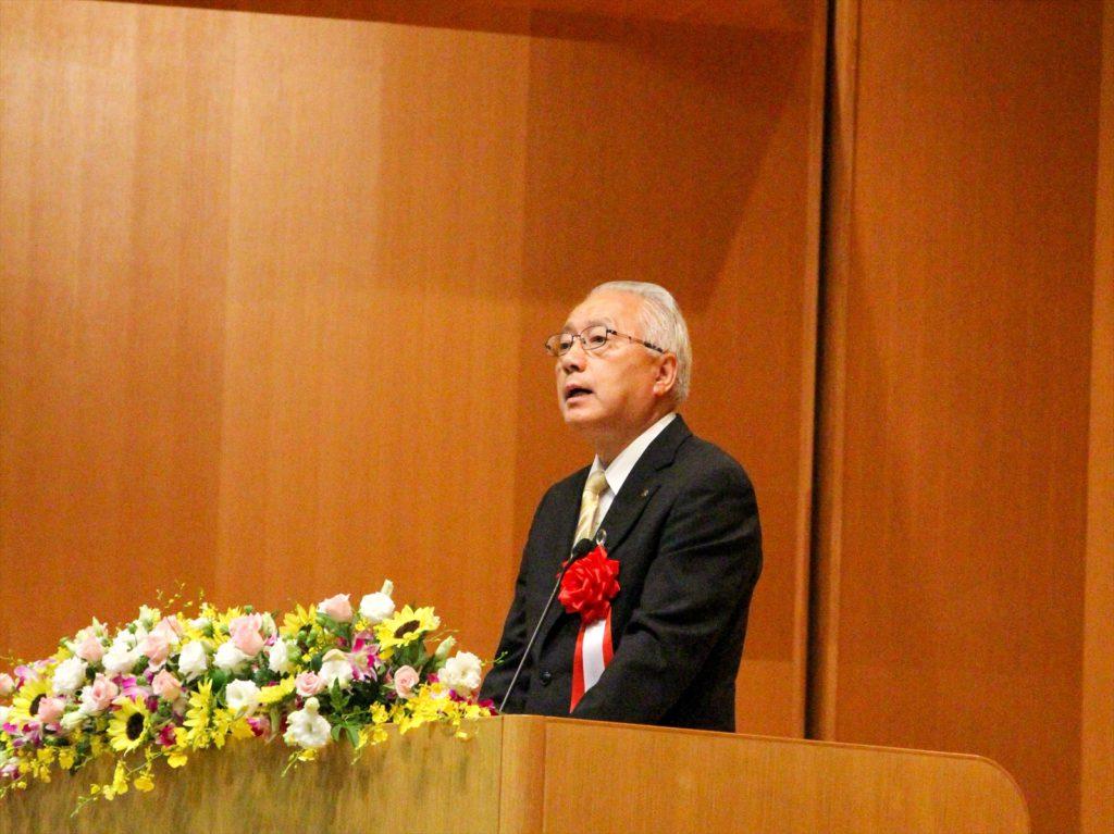 登壇した堀井副知事による祝辞の写真