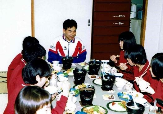 30歳の内田教授の写真